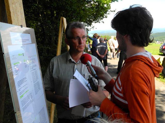 Ortsheimatpfleger Rolf Kolb steht Rede und Antwort