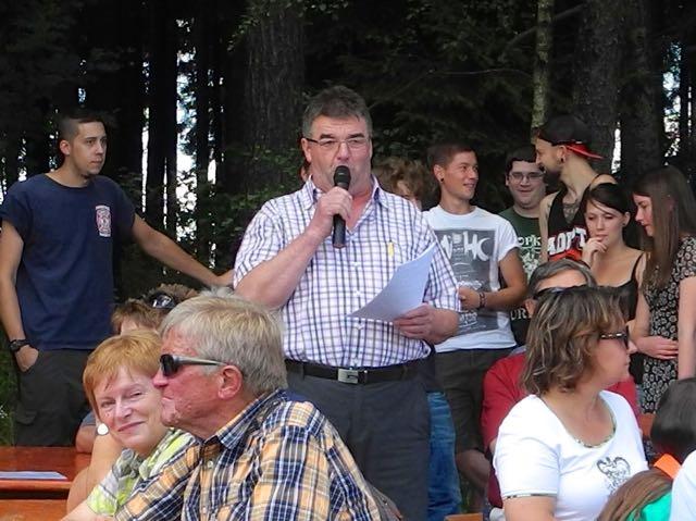 Ortsvorsteher Friedhelm Höfer bei der Informationsveranstaltung am 12. Juli 2014