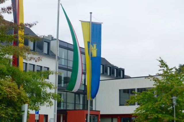 Was sagt der/die neue Rathaus-Chef/in zum neuen Industriegebiet? Die Kandidaten wurden jetzt von der Bühler Initiative befragt. Gewählt wird übrigens am 13. September 2015.